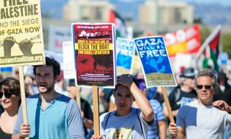 manifestantes-buque-zim