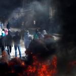 Piedras y bombas incendiarias sobre Jerusalem