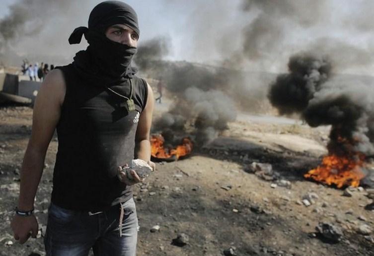 palestino-piedras