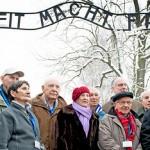 Sobrevivientes del Holocausto regresan a Auschwitz en el 70° aniversario de su liberación