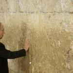 Netanyahu rezó para agradecer por su victoria