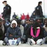 Inmigrantes musulmanes arrojan al mar a 12 cristianos