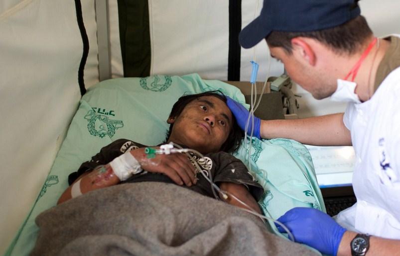 Adolescente nepalés rescatado por estadounidenses, es tratado en el hospital de campaña israelí