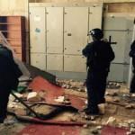 Musulmanes atacan a la policía israelí en el Monte del Templo