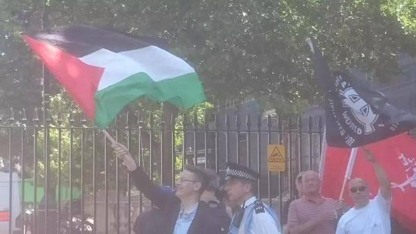 supremacistas-blancos-bandera-palestina2