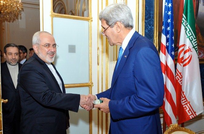 Secretary_Kerry_greets_Iranian_Foreign_Minister_Zarif