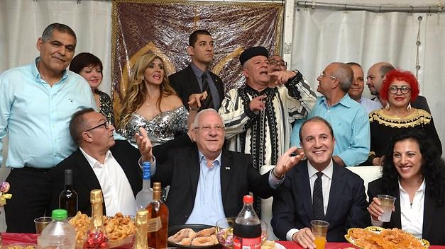 El Presidente de Israel, Rivlin, en el centro de la imagen.