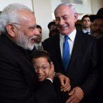 Emotivo encuentro entre Modi y el niño que perdió a sus padres en el ataque terrorista de 2008 en Mumbai
